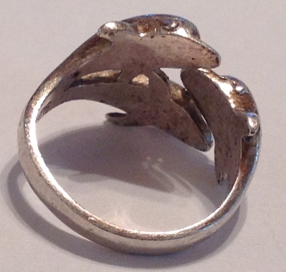 Estate vintage triple dolphin Sterling ring (S) - 3