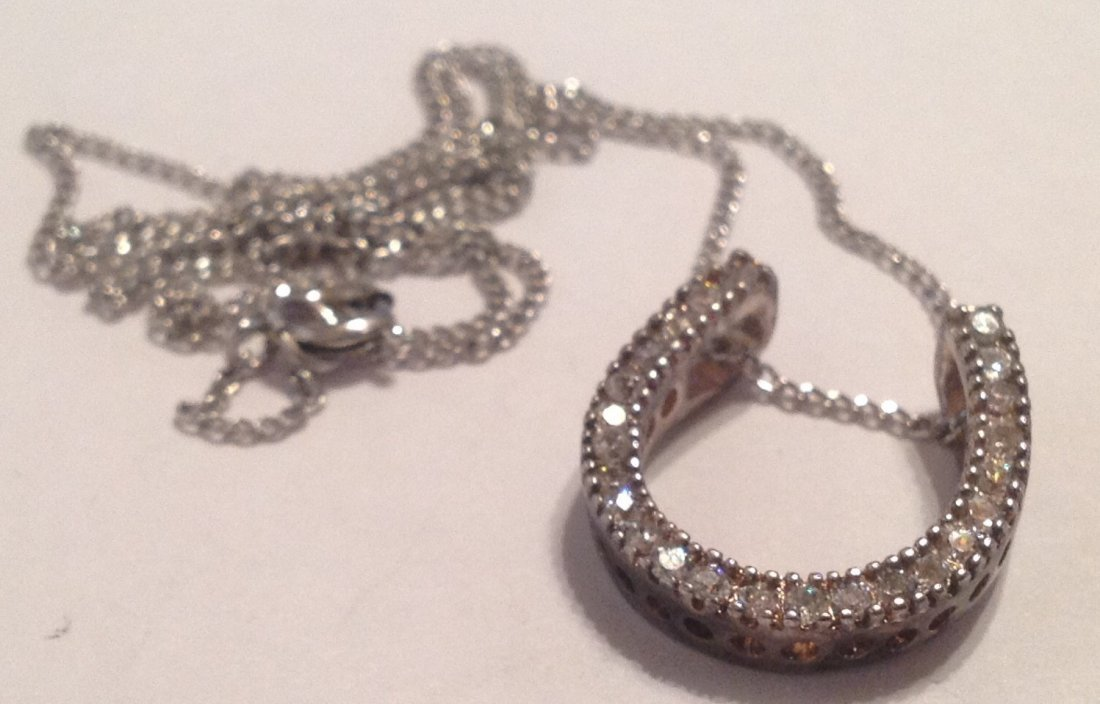 Estate vintage Sterling horseshoe cz stone necklace (S)
