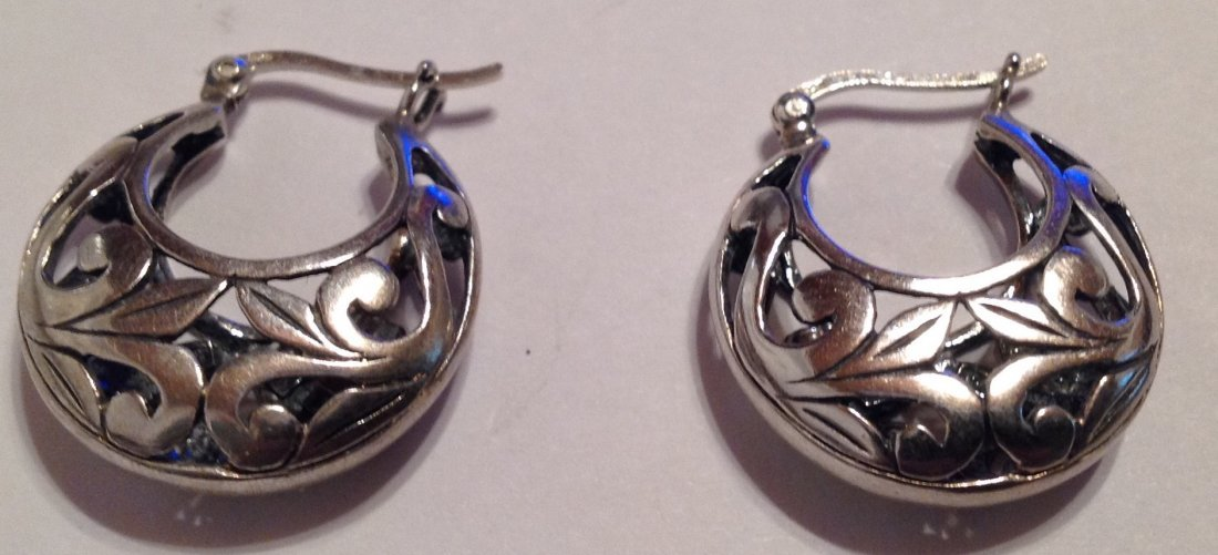 Estate sterling Silver scrolled earrings  (S)