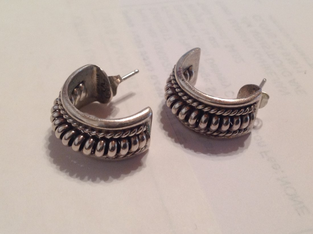 Estate Native American Sterling silver earrings (S)