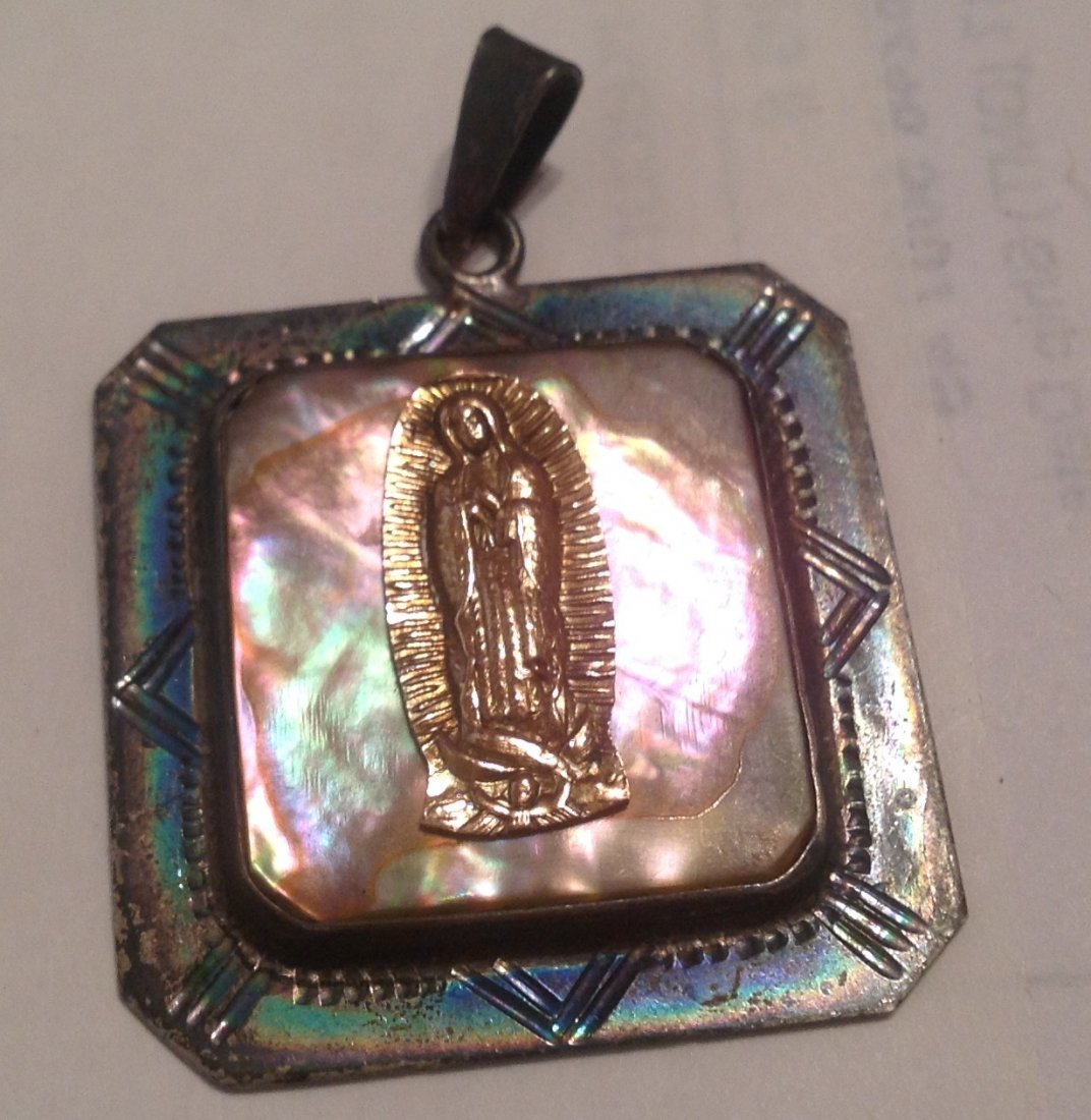 Estate mexico Sterling abalone religious pendant (S)