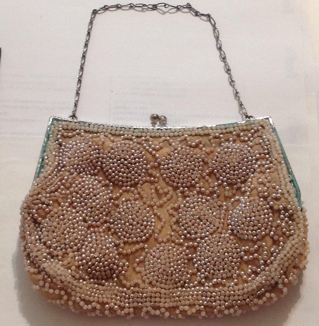 Estate antique beaded ladies evening purse ( T )