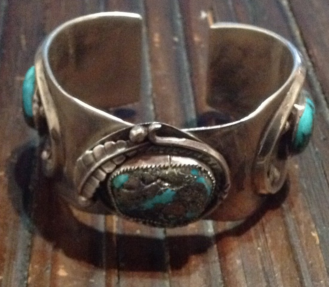 old pawn Bisbee turquoise Sterling cuff bracelet (S)