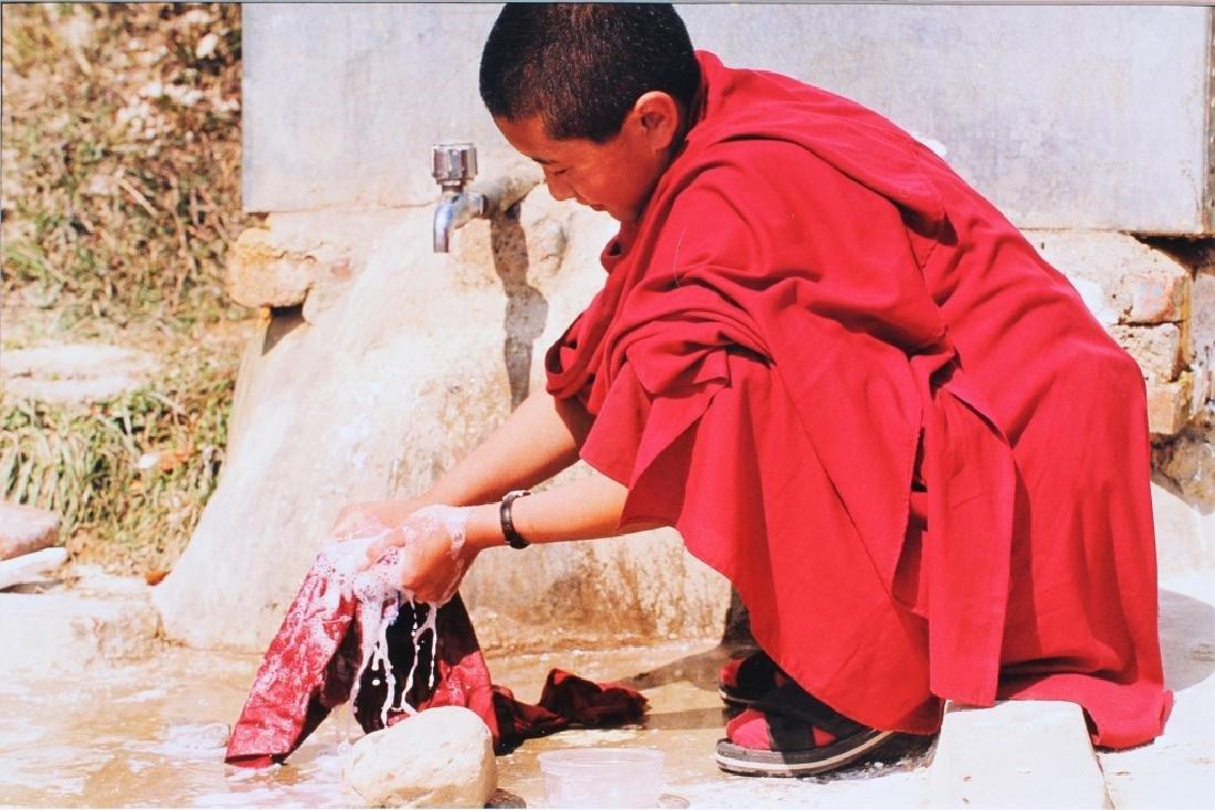 4 large color photographs of Buddist Monks - 8