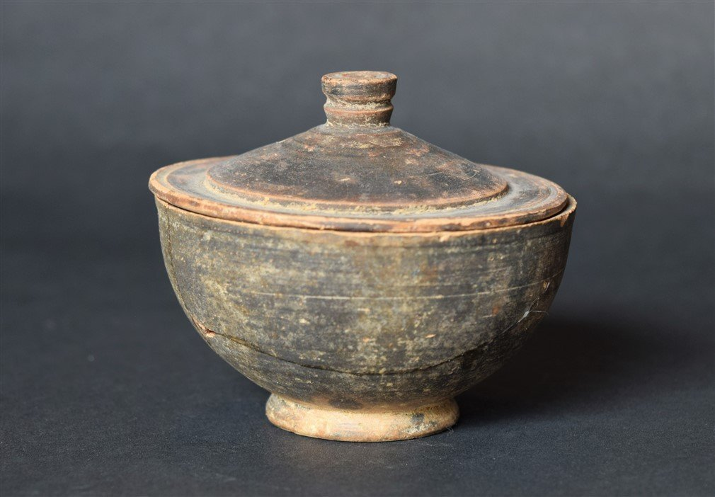 Beautiful Greek Black Glazed Pyxis, c. 4th-3rd century - 2
