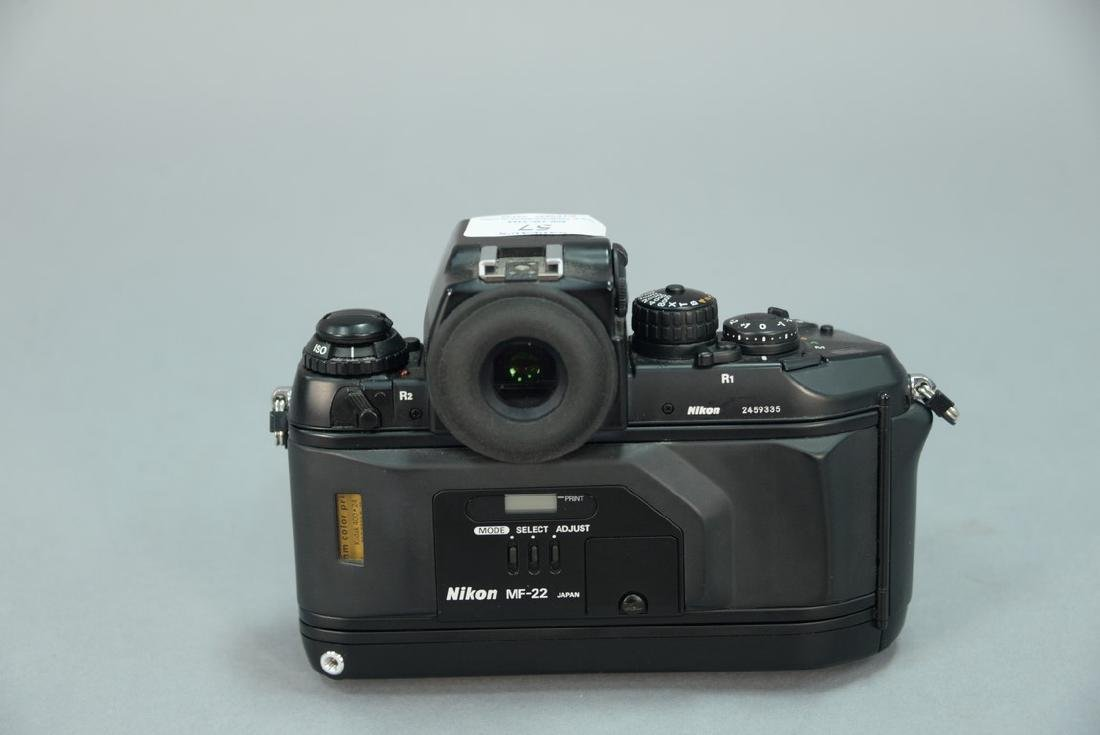 Nikon F4 (2459335) with AF Micro Nikkor 60/2.8D and - 4