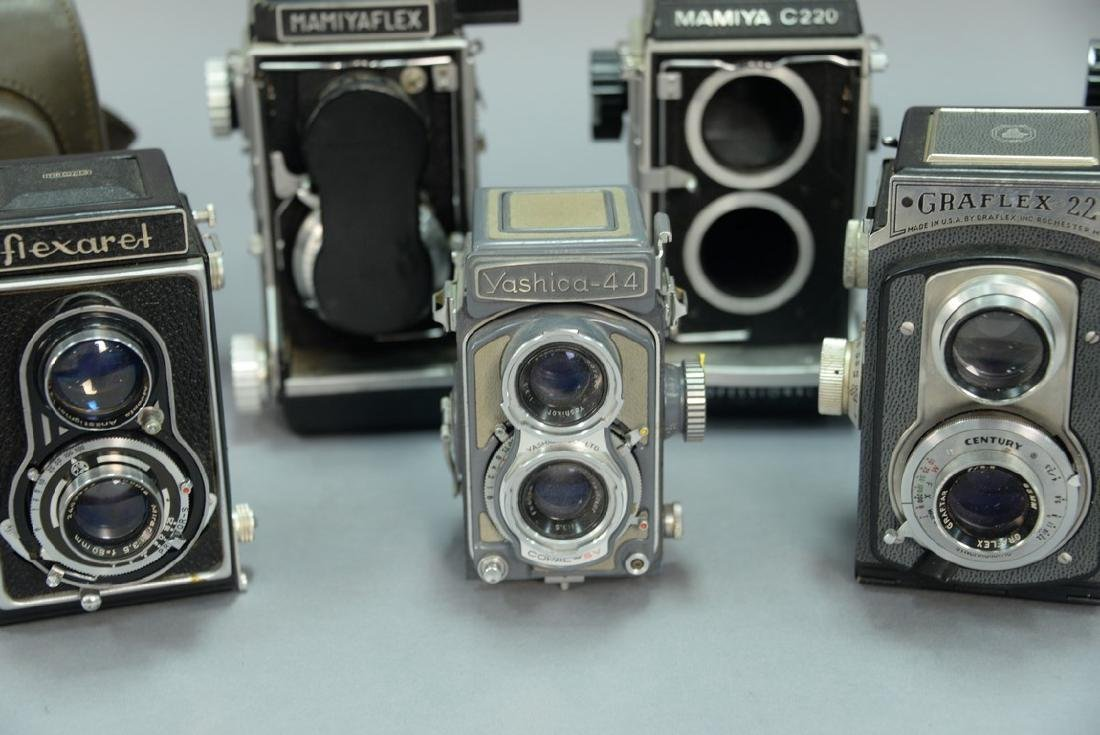 One box lot: Lot of twin lens reflex cameras including - 6