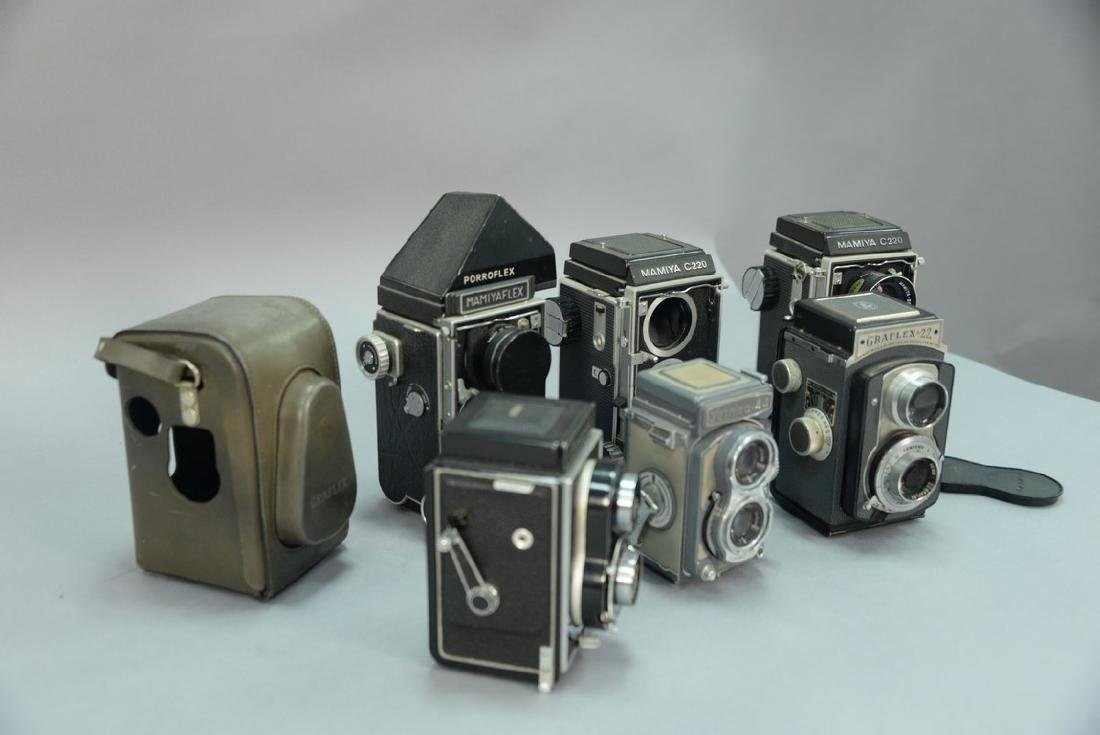 One box lot: Lot of twin lens reflex cameras including - 7