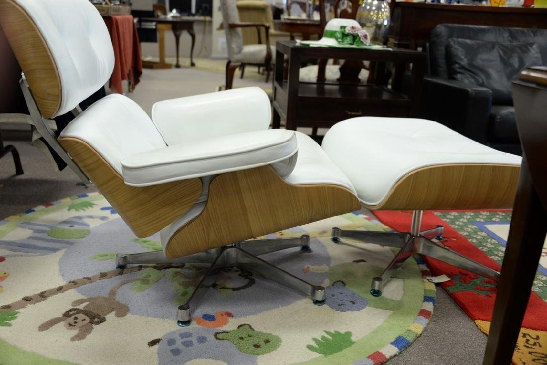 Eames style chair and ottoman. - 4