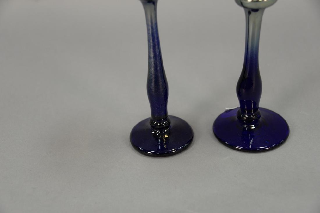 Set of thirteen Rick Strini art glass stemware, amber - 3