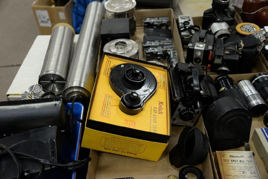 Six box lots: Camera and darkroom equipment lot to - 6