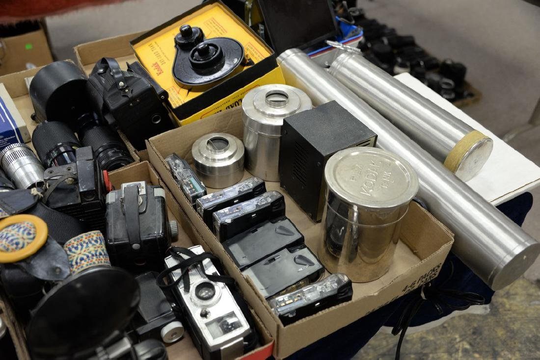 Six box lots: Camera and darkroom equipment lot to - 9