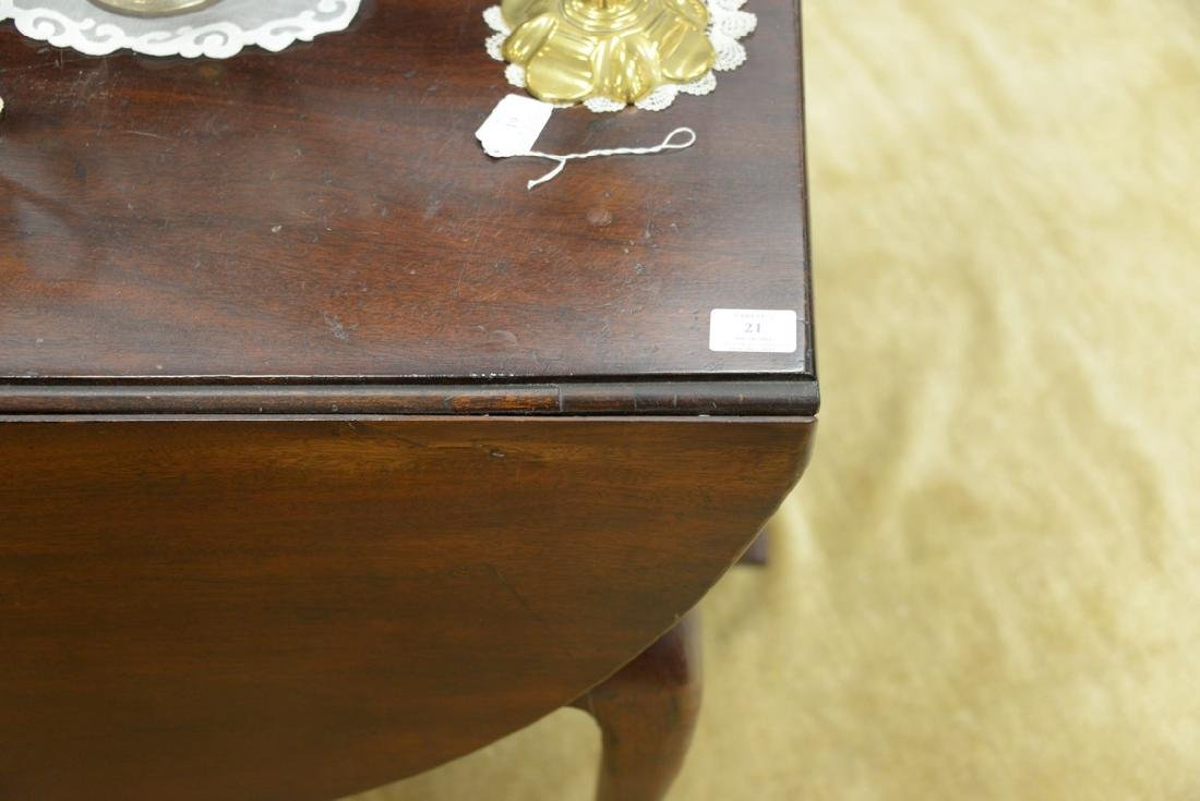 Mahogany Queen Anne drop leaf table with oval drop - 5