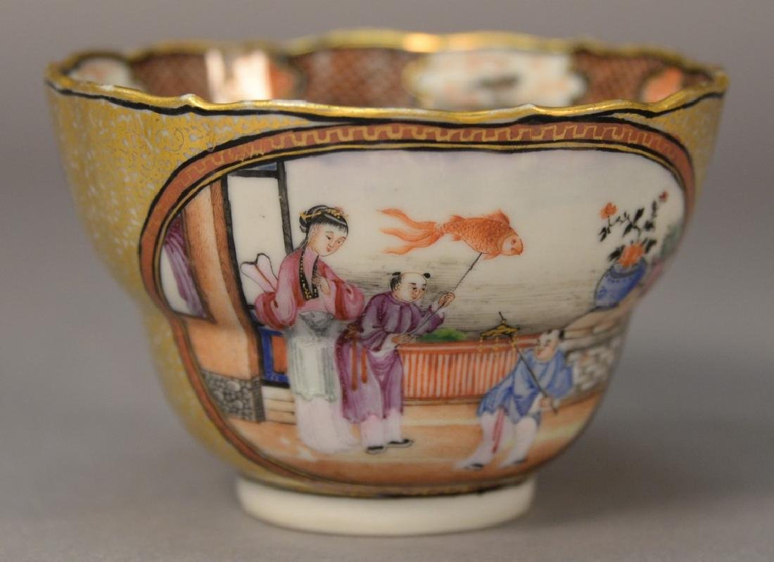 Chinese export porcelain tea cup with heavy gilt