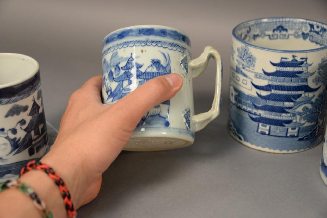 Group of six blue and white porcelain mugs in willow - 4
