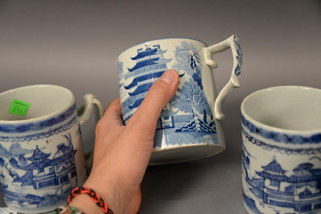 Group of six blue and white porcelain mugs in willow - 5