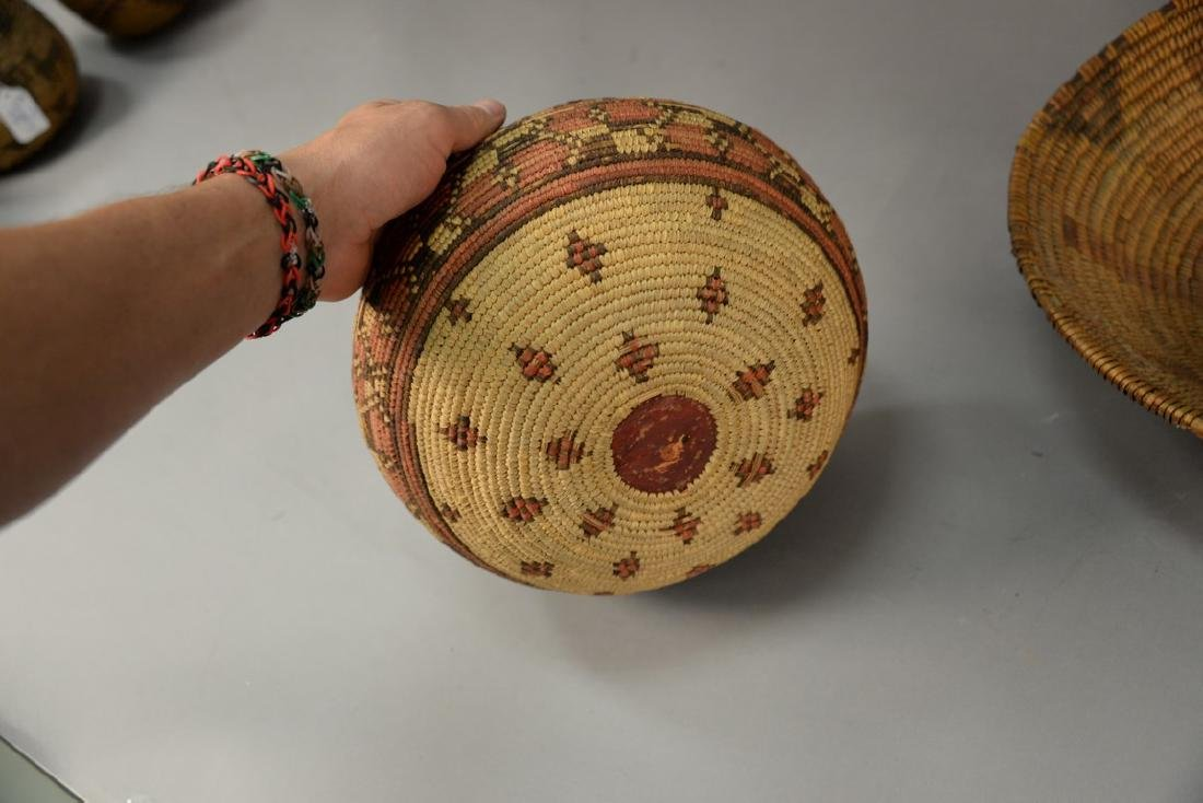 Three coiled Indian baskets, each with decoration. - 5