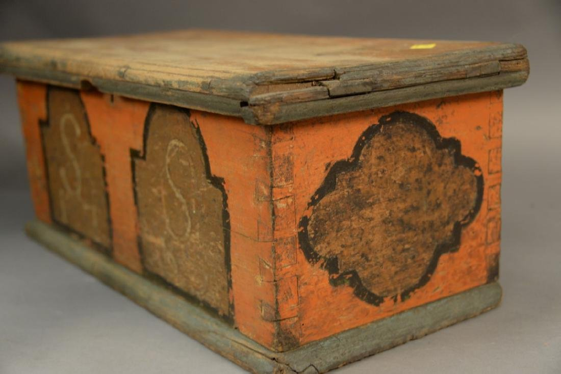 Small 18th century lift top box painted salmon, light - 2