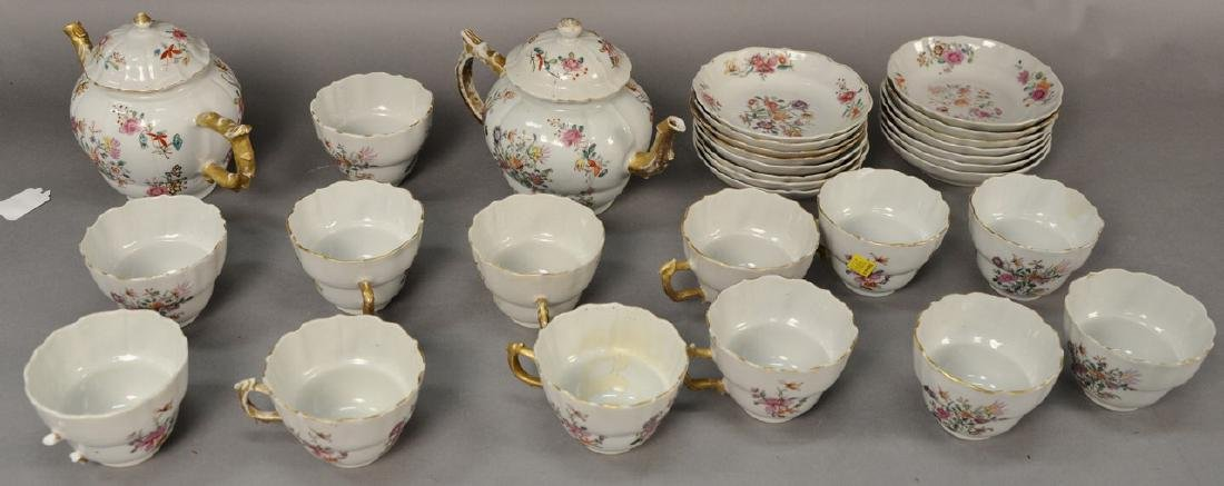 Thirty piece lot of export china including 2 teapots,