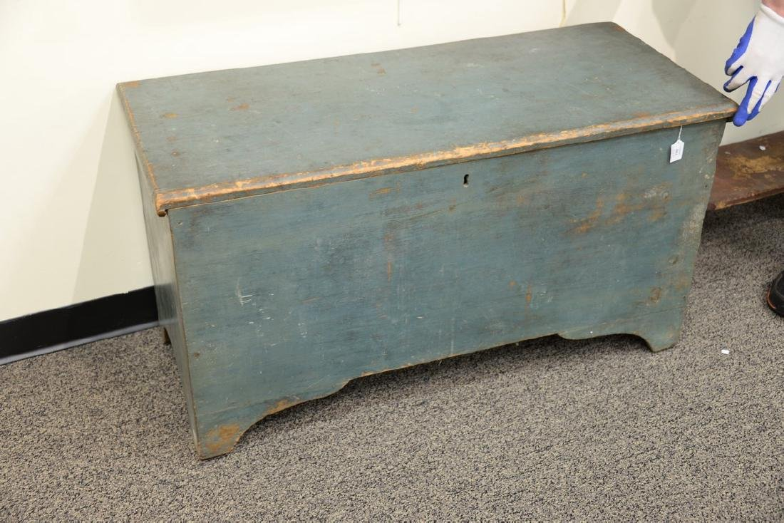 Primitive blanket chest with lift top in original blue - 2