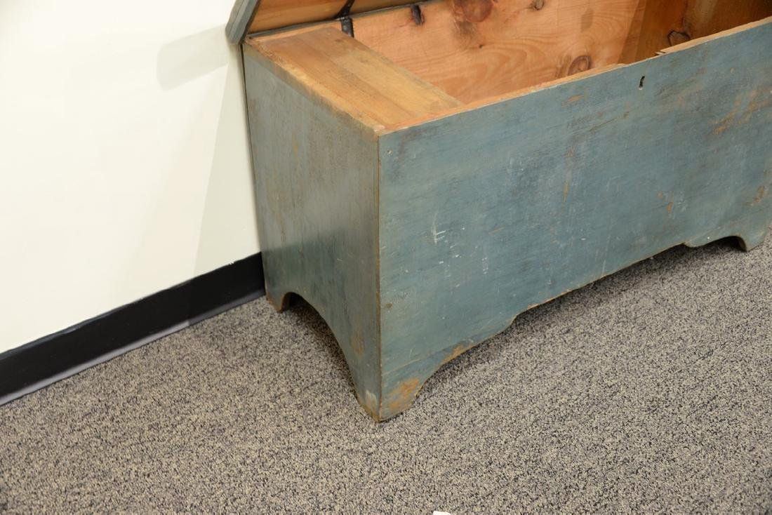 Primitive blanket chest with lift top in original blue - 3