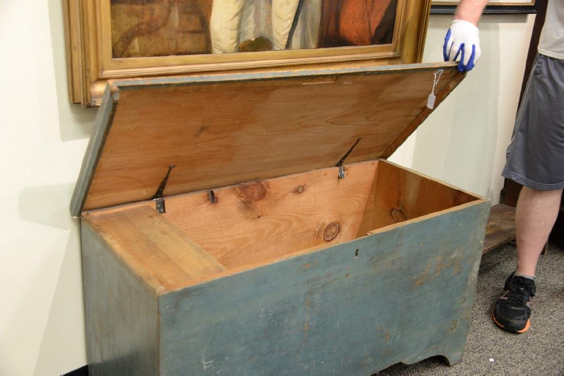 Primitive blanket chest with lift top in original blue - 4