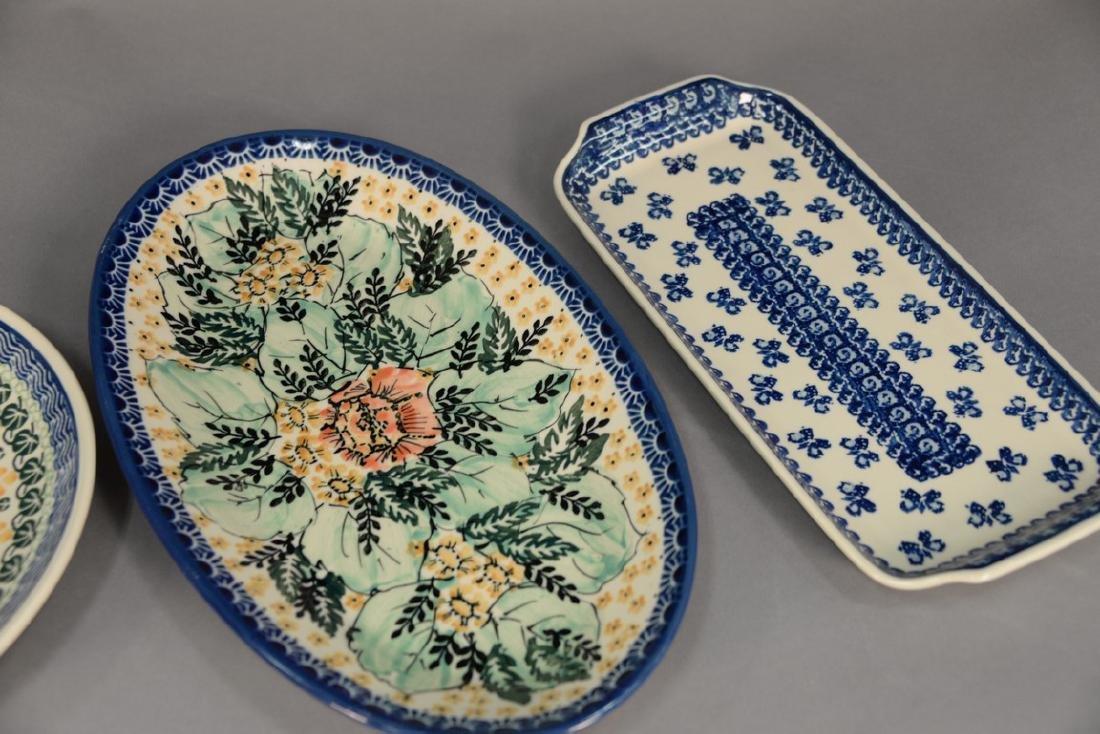 Twelve handmade Polish pottery pieces to include a set - 3