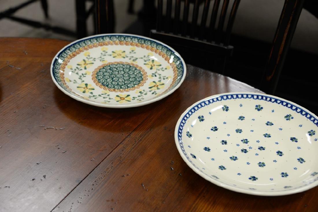 Twelve handmade Polish pottery pieces to include a set - 7