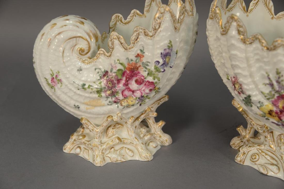 Pair of German porcelain Nautilus shell shaped bowls on - 2