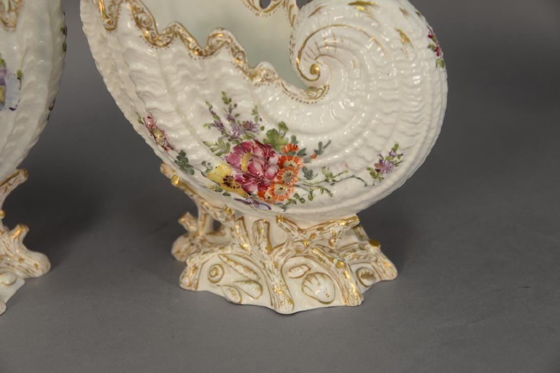 Pair of German porcelain Nautilus shell shaped bowls on - 3