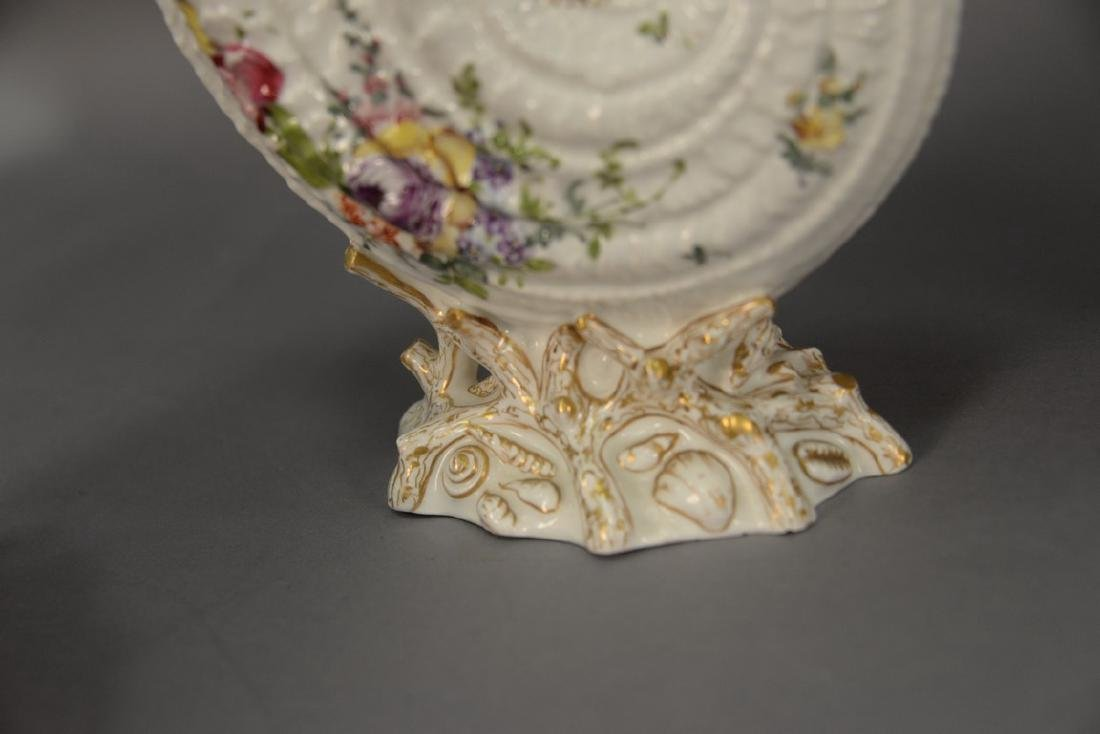 Pair of German porcelain Nautilus shell shaped bowls on - 5