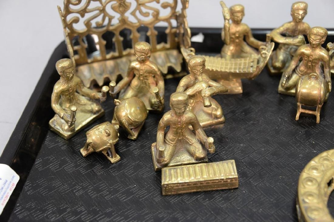 Tray lot to include a group of heavy cast brass figures - 2