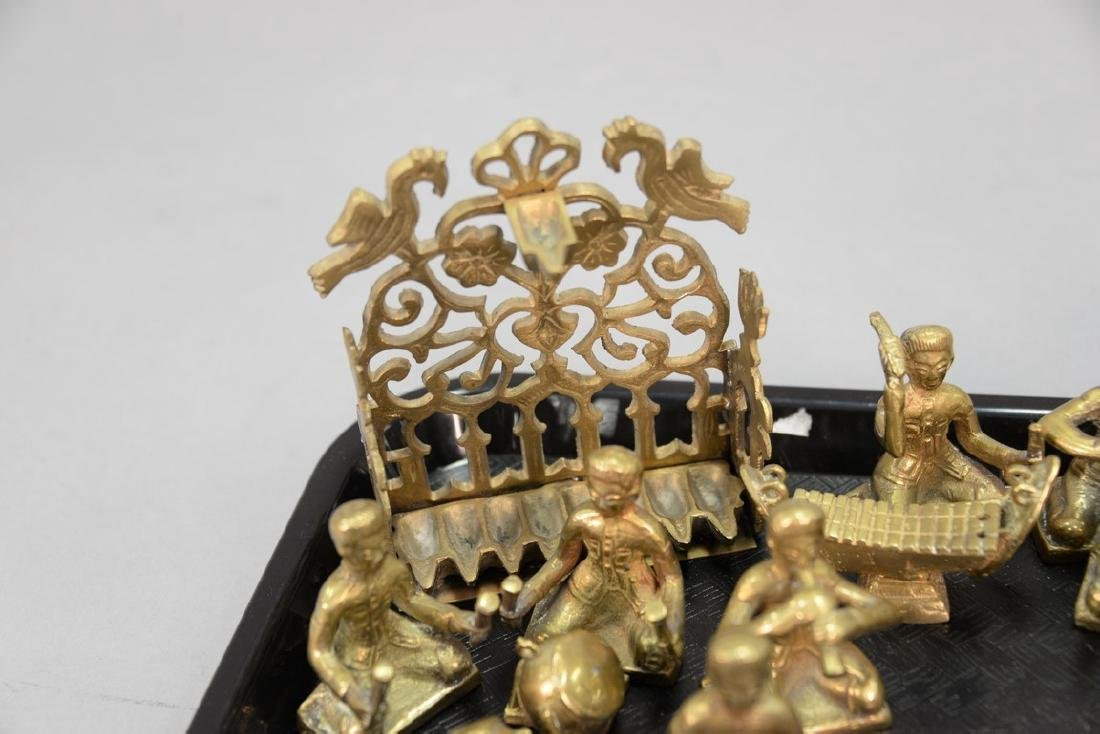 Tray lot to include a group of heavy cast brass figures - 3