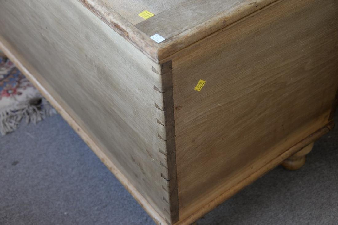 Two lift top blanket chests on turned legs. ht. 25in., - 4