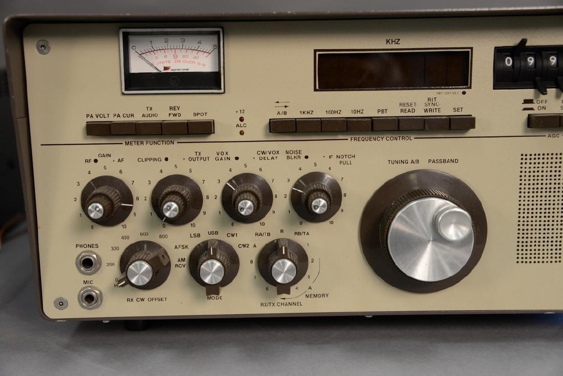 Milspec 1030 Transceiver by Signal One. - 2