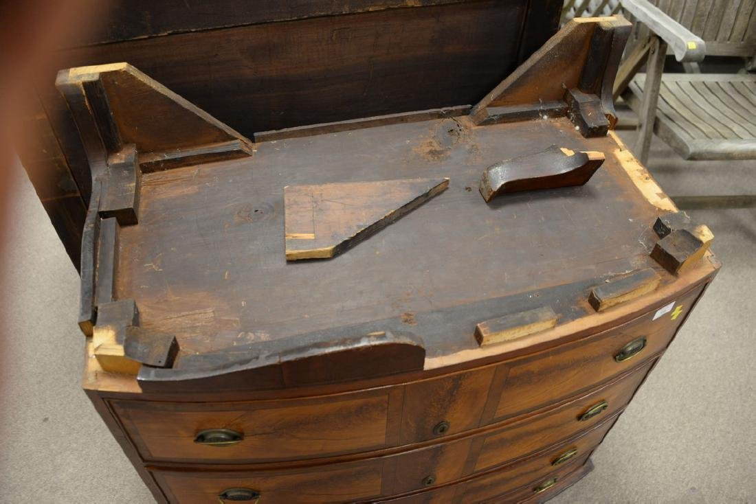 Federal mahogany inlaid bow front chest with scallop - 3