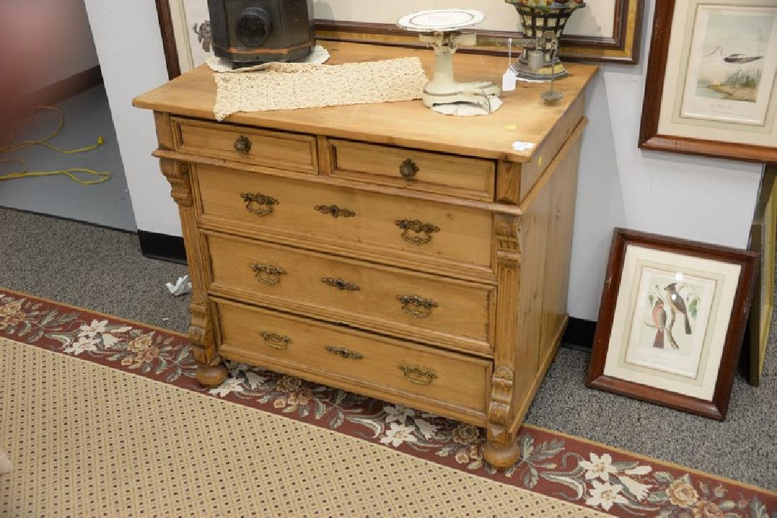 Pine two over three drawer chest. ht. 32 1/2in., top: - 2