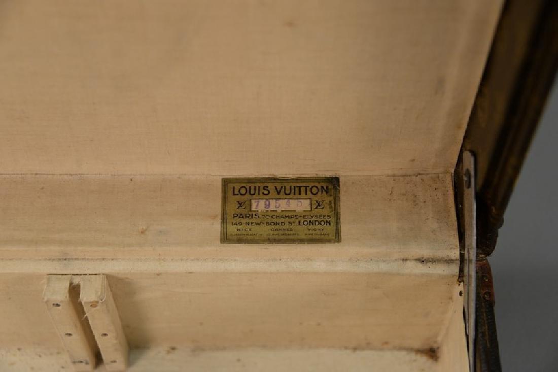 Louis Vuitton suitcase with label inside Louis Vuitton, - 5