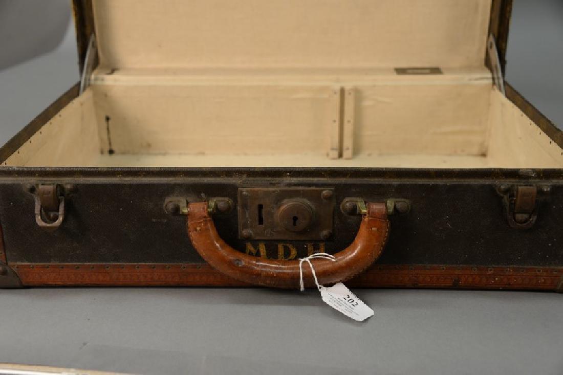 Louis Vuitton suitcase with label inside Louis Vuitton, - 6