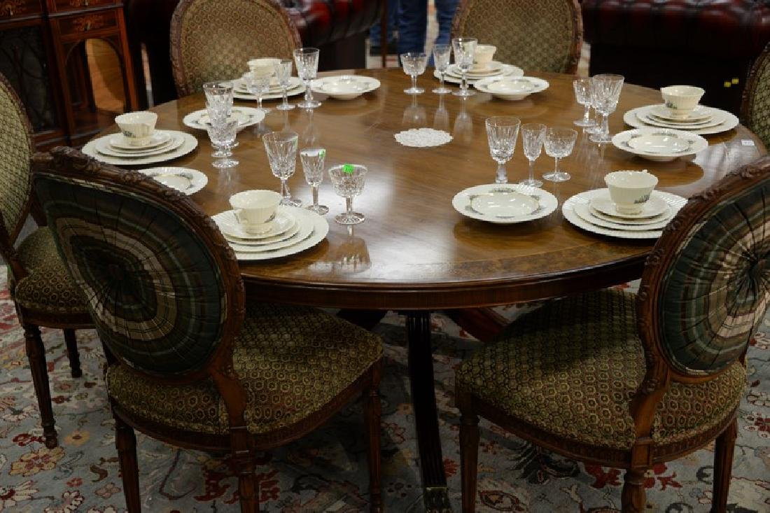 Round mahogany dining table with single pedestal base - 2