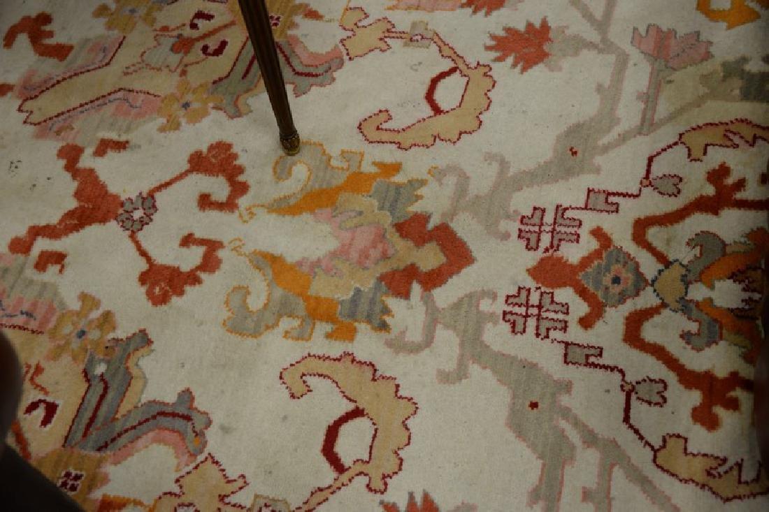Oriental carpet, Serapi design, late 20th century (some - 5