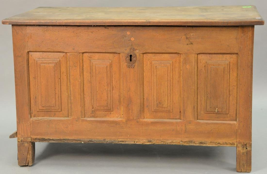 Continental lift top chest, 17th-18th century
