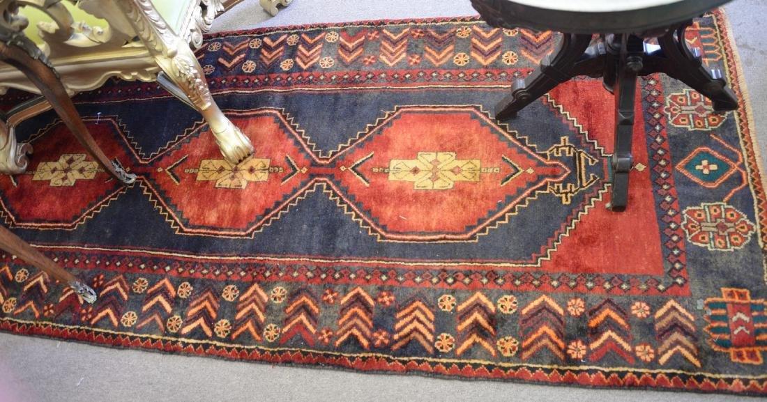 """Oriental area rug. 3'6"""" x 9'"""