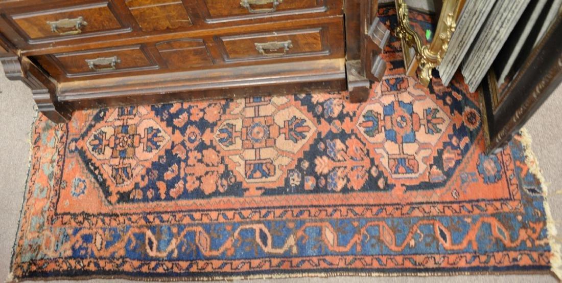 "Hamaden Oriental throw rug. 4'10"" x 2'7"""
