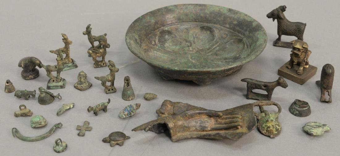 Group or miniature archaic bronze and metal figures and