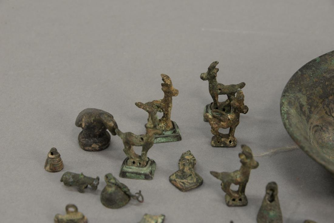 Group or miniature archaic bronze and metal figures and - 3