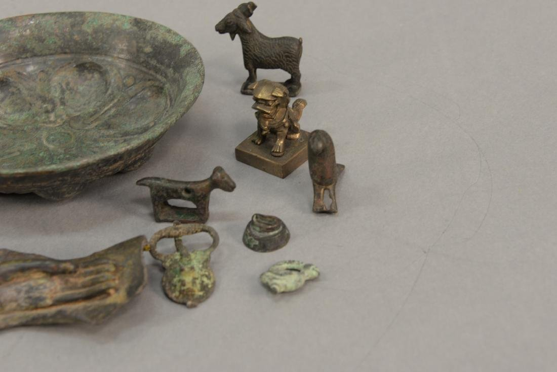 Group or miniature archaic bronze and metal figures and - 5