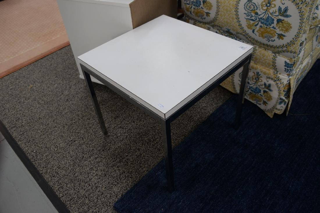 Four piece lot to include a pair of Knoll side tables - 3