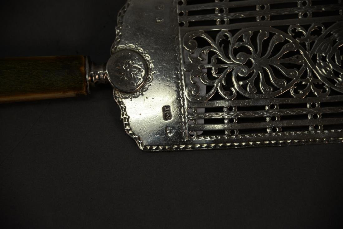 William Plummer George III silver pie server with - 3