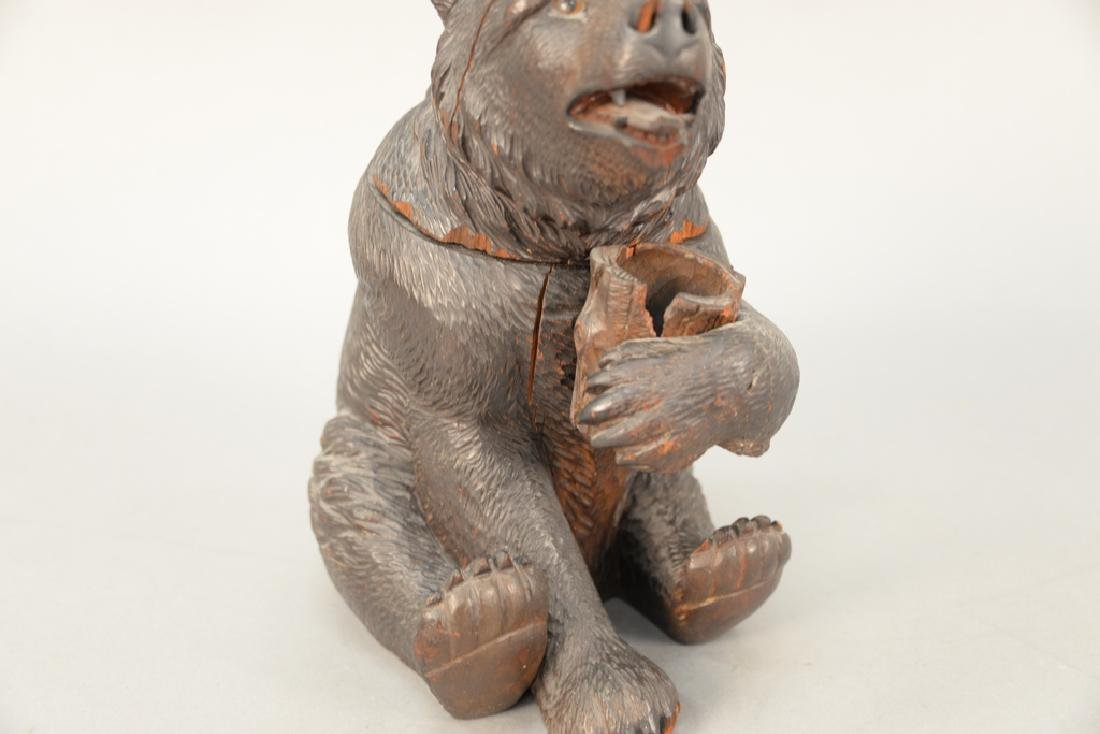 19th century carved black forest tobacco humidor bear, - 3